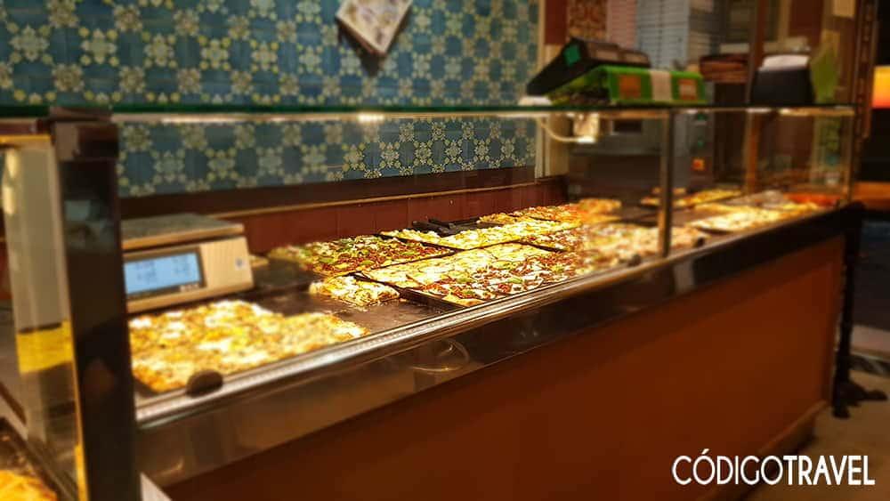 Vitrina-Pizzería-La-Bocaccia