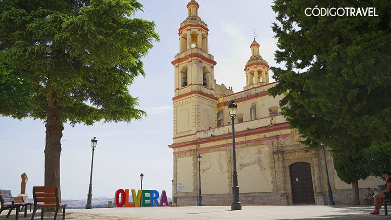 plaza de la iglesia olvera